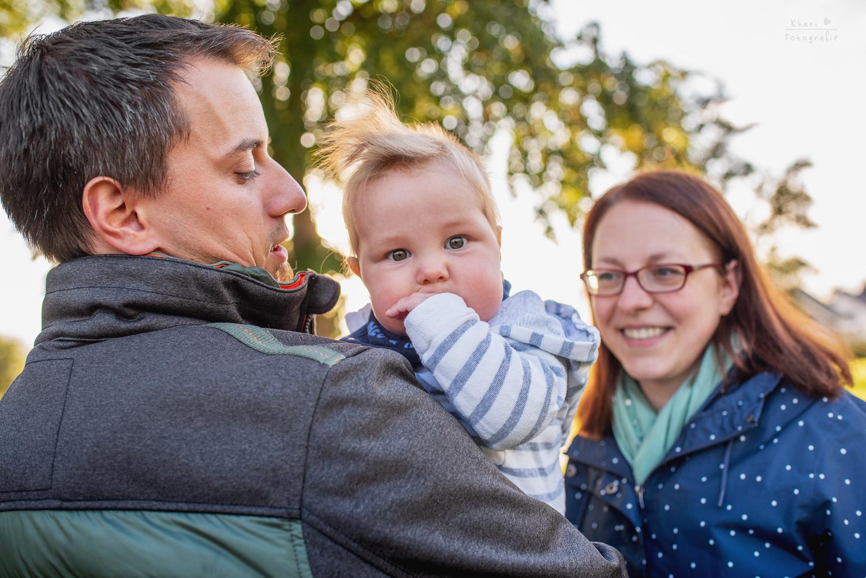 Familienshooting Lemwerder mit Baby süßer Blick